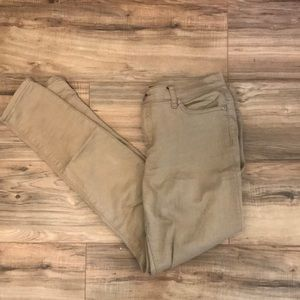 Tan jeans ! Could be worn as khakis